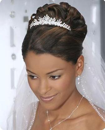 Свадебные прически на средние волосы - фото и идеи