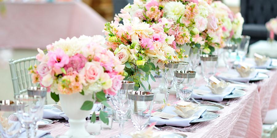 Украшение зала цветами
