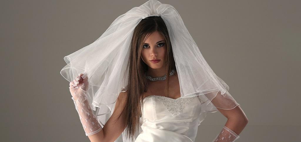 Свадебные причеки на длинные волосы с фатой