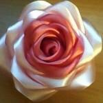 розы из атласных лент своими руками видео