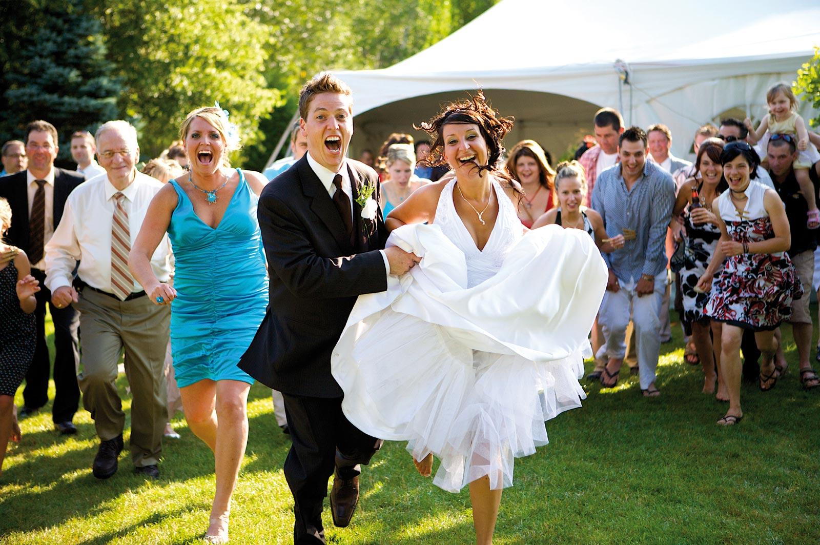 Конкурсы для гостей сделают свадьбу смешной и интересной