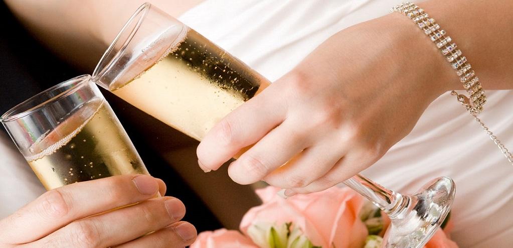 Свадьба 7 лет: какая свадьба, что дарить?