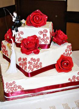red-wedding-cake-05