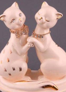 statuetki-iz-farfora-na-godovschinu-svadi